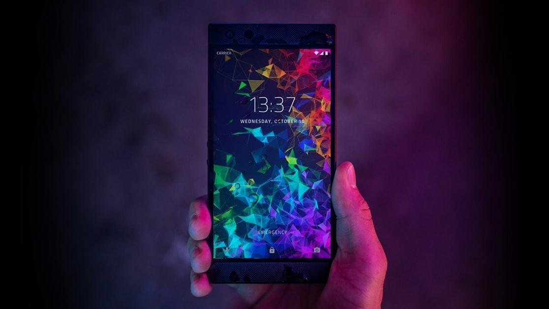 Razer представила Phone 2 с RGB-подсветкой и беспроводной зарядкой