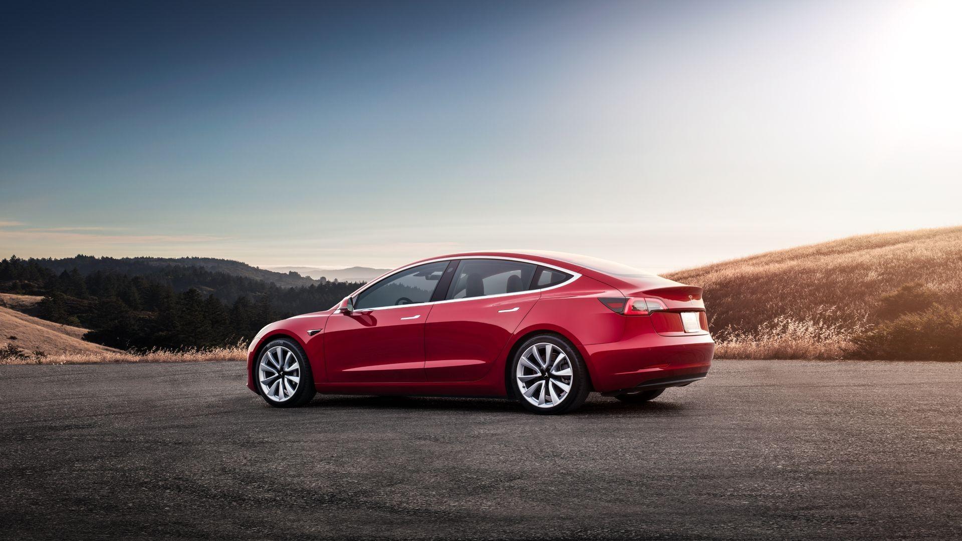 На угон электромобиля Tesla нужно несколько секунд