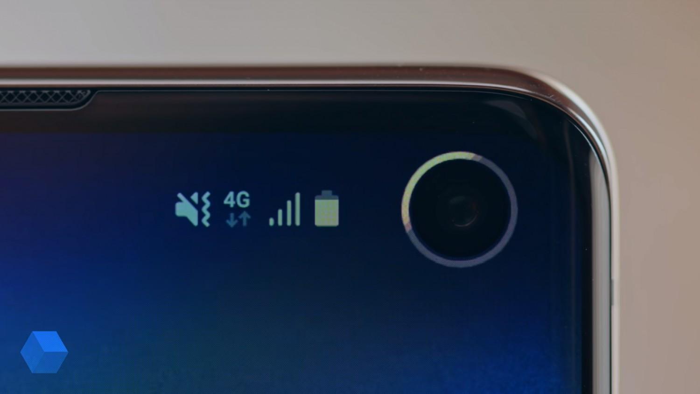 Это приложение превратит «дырку» в Galaxy S10 в индикатор заряда