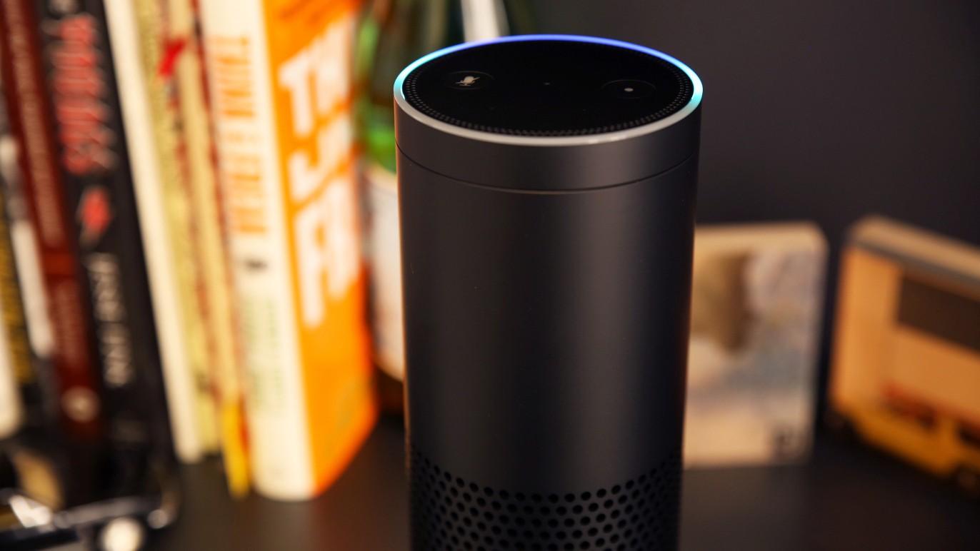 Умные колонки Alexa хихикают и пугают пользователей