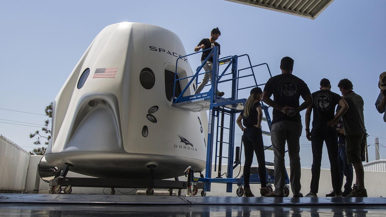 SpaceX провела неудачное испытание двигателей корабля Crew Dragon