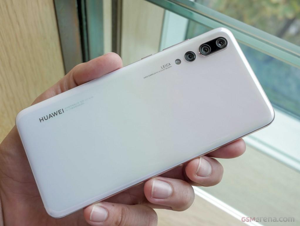 Четыре новые расцветки для Huawei P20 Pro3