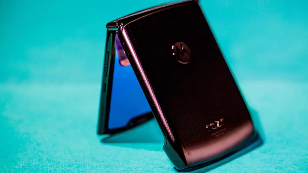 Motorola Razr: та самая «раскладушка», но с гибким экраном9