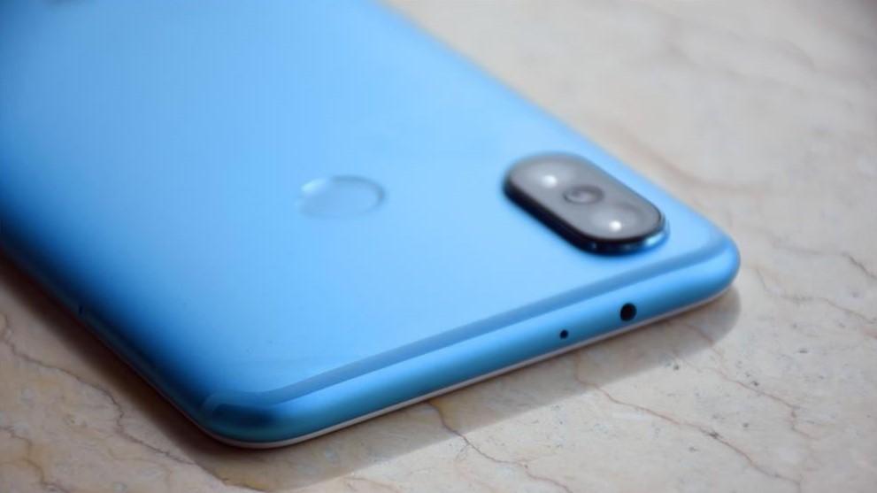 Слиты варианты памяти и цвета корпуса Xiaomi Mi A2