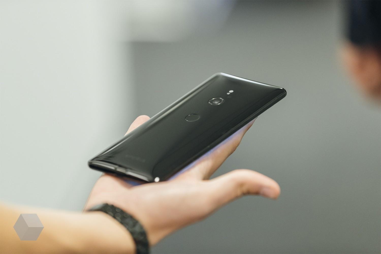 Первое впечатление от Sony Xperia XZ37
