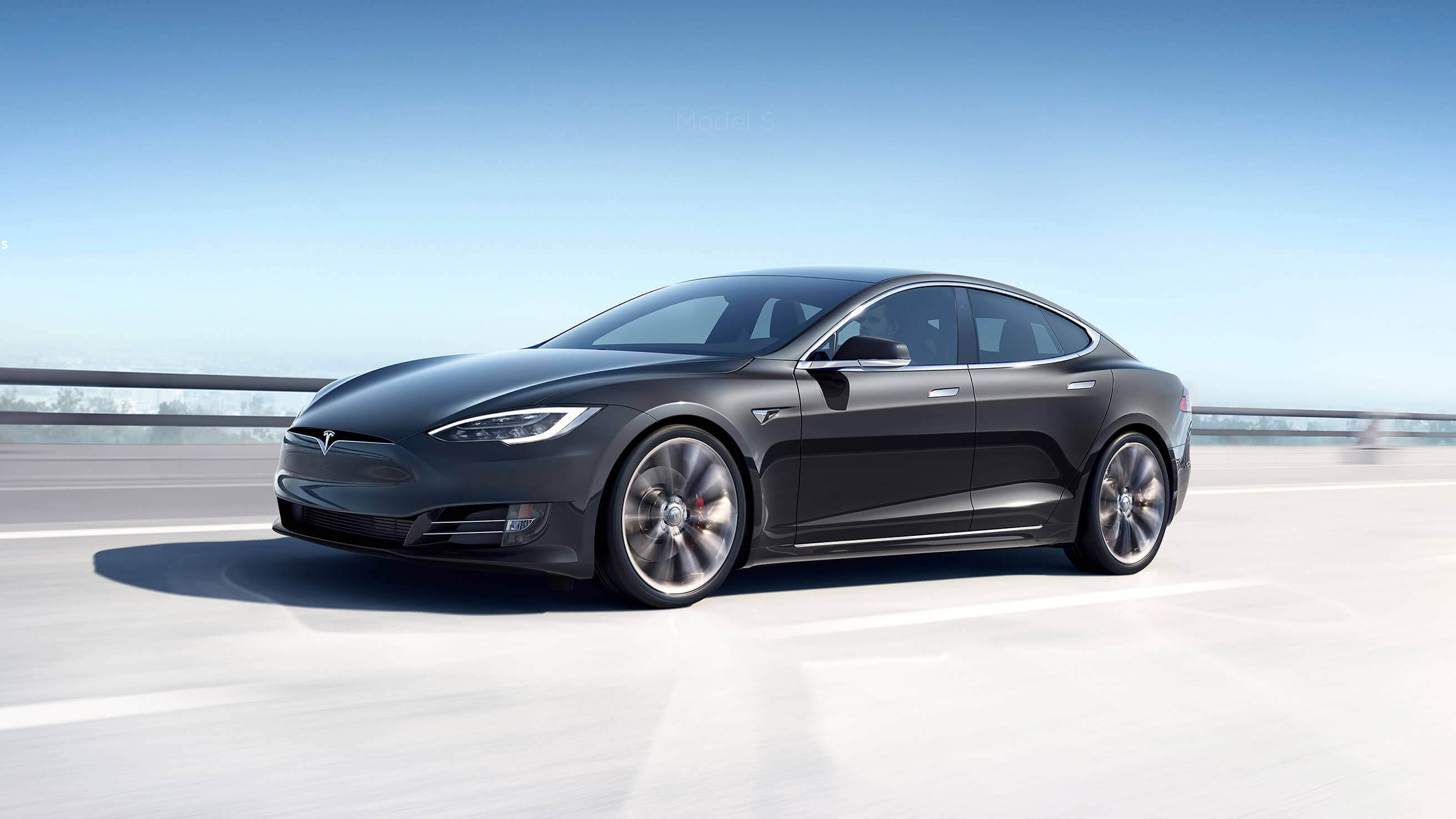 Tesla получит полноценный автопилот в августе
