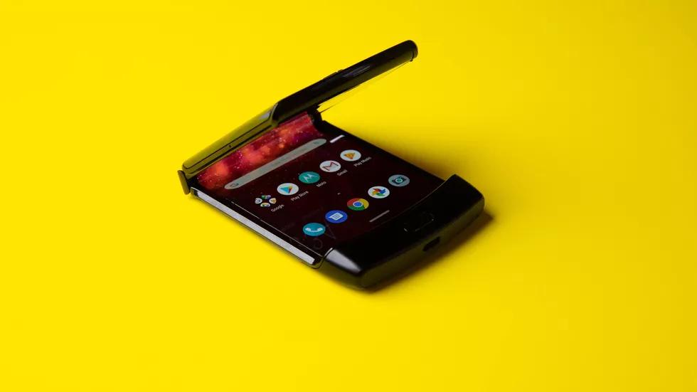 Motorola Razr: та самая «раскладушка», но с гибким экраном10