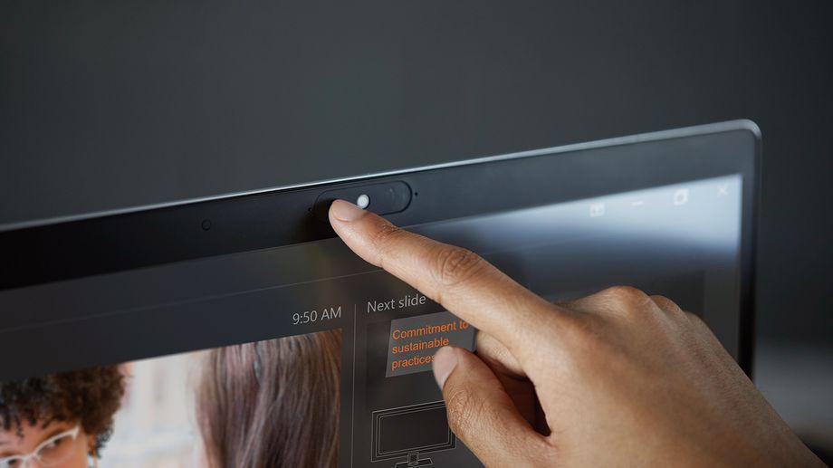 Ноутбуки EliteBook от HP получили «шторку» на веб-камере и микрофон на крышке