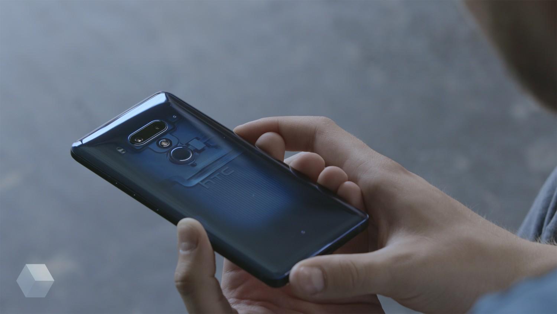 HTC планирует составить конкуренцию iPhone в следующем году