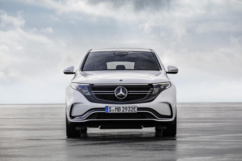 Электрический кроссовер от Mercedes-Benz поступит в продажу2