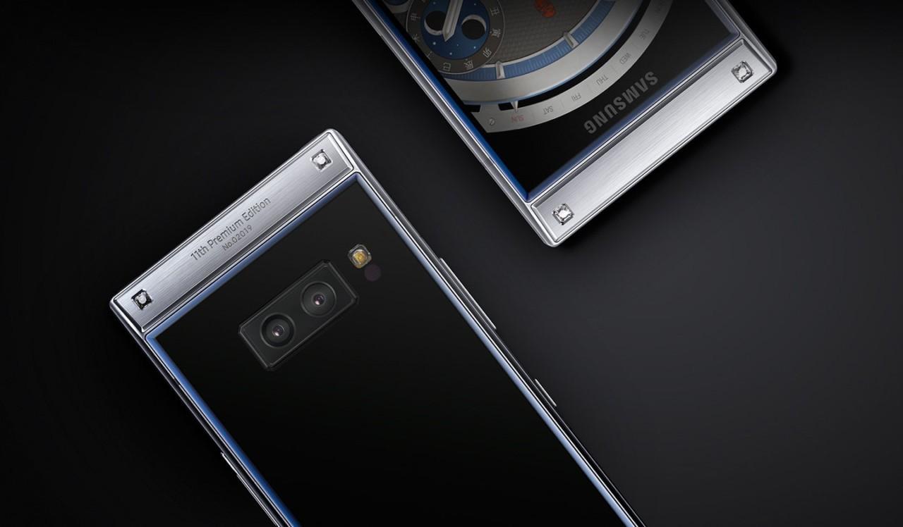 Samsung W2019: «раскладушка» с двумя дисплеями и Snapdragon 8452
