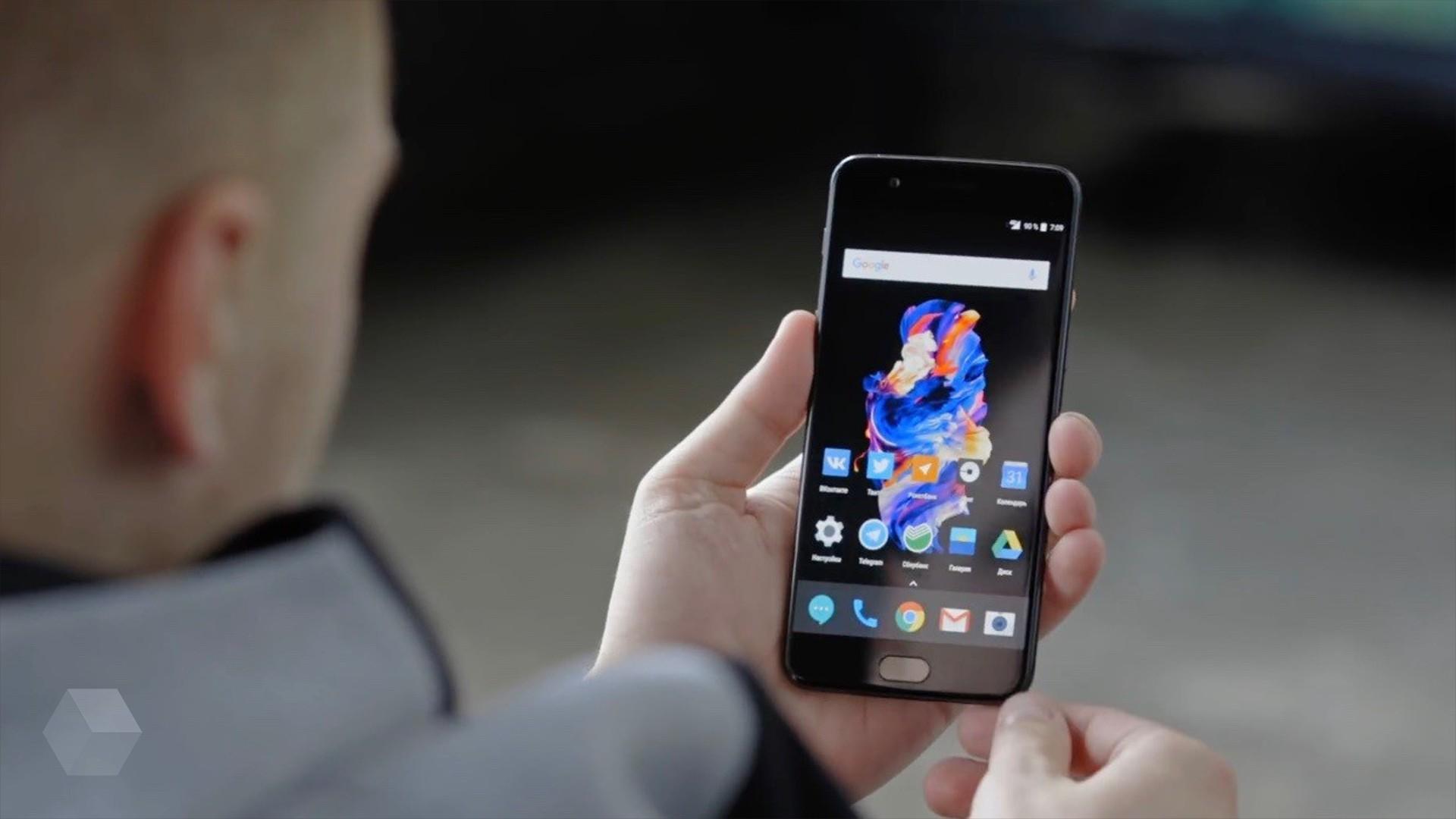 OnePlus выпустит смартфон с поддержкой 5G в следующем году
