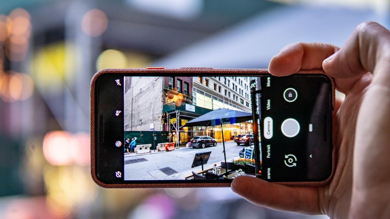 «Google Камера» автоматически сделает снимок во время поцелуя