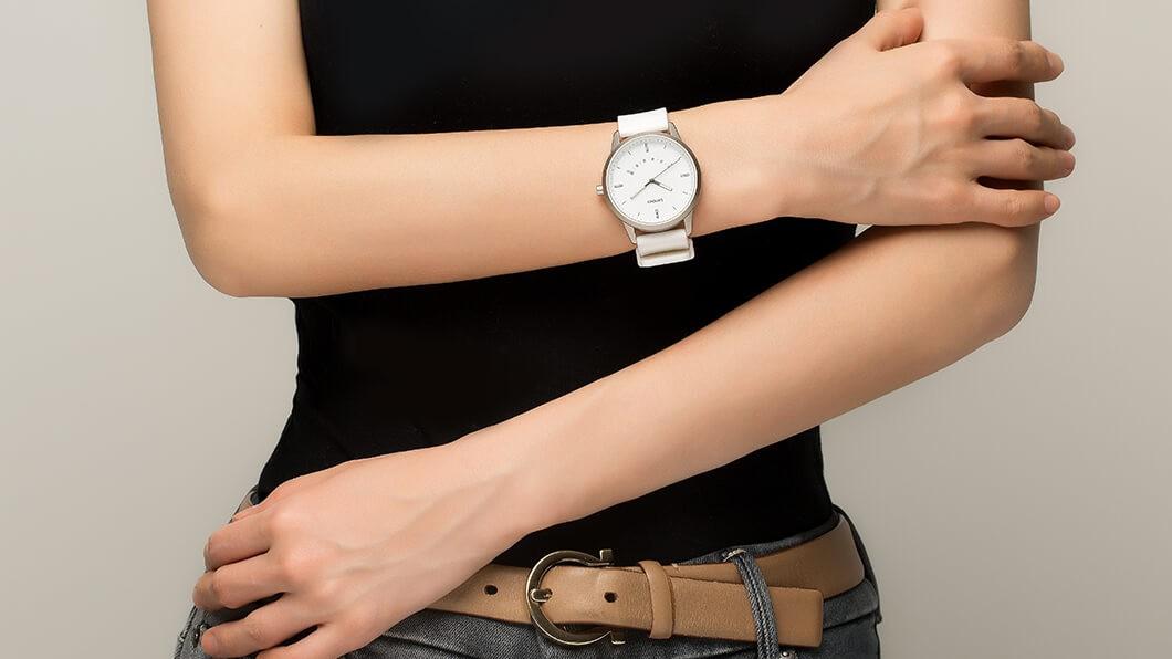 Watch 9 — гибридные умные часы от Lenovo
