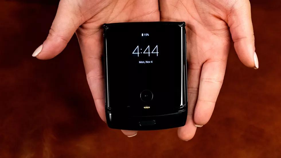 Motorola Razr: та самая «раскладушка», но с гибким экраном4