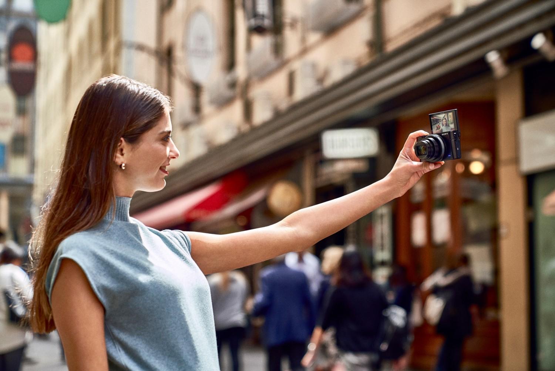 Sony открыла предзаказ на камеру Cyber-shot RX100 VI5