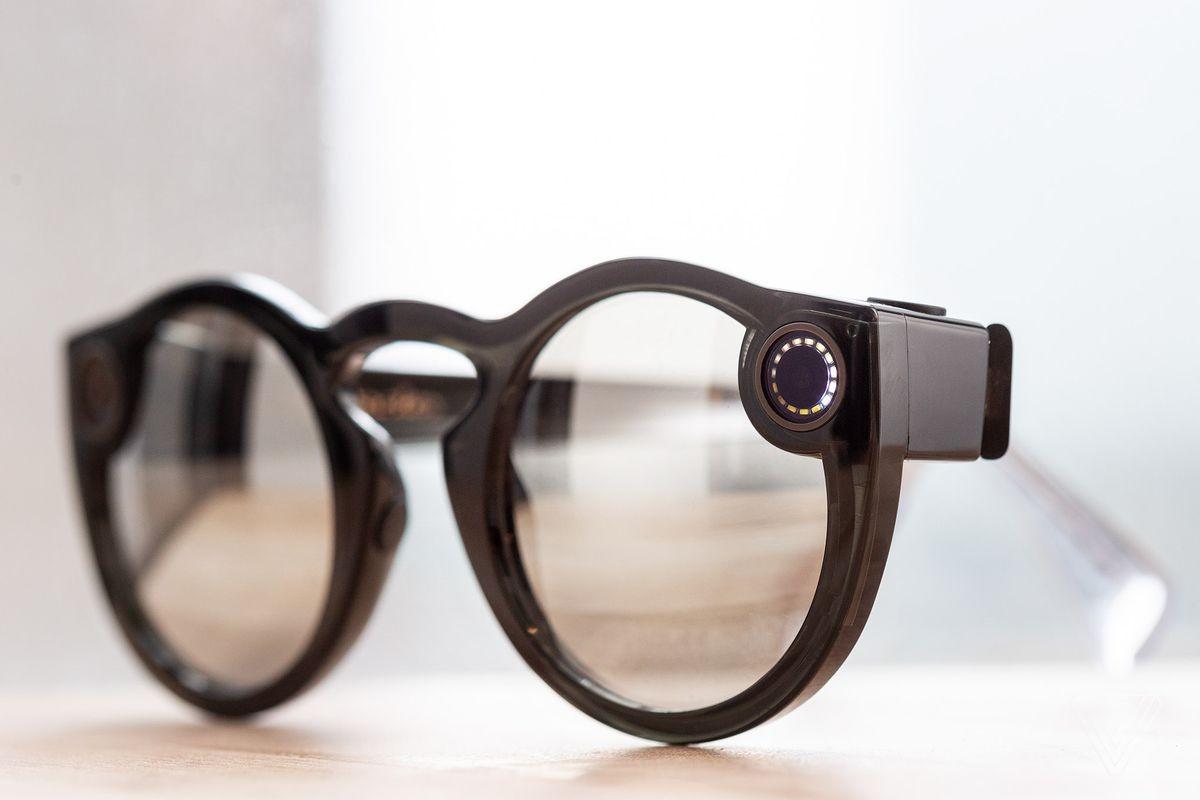 Snapchat представила вторую версию очков Spectacles3