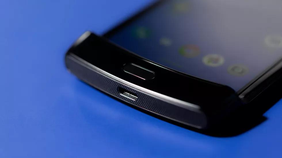 Motorola Razr: та самая «раскладушка», но с гибким экраном2