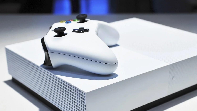 Microsoft перевыпустит консоль Xbox One S без оптического привода