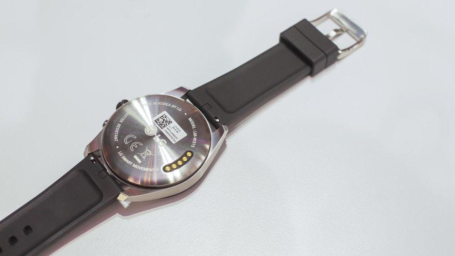 LG Watch W7 — гибридные часы с Wear OS и механическими стрелками3