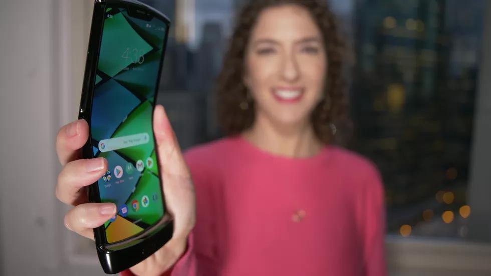 Motorola Razr: та самая «раскладушка», но с гибким экраном3