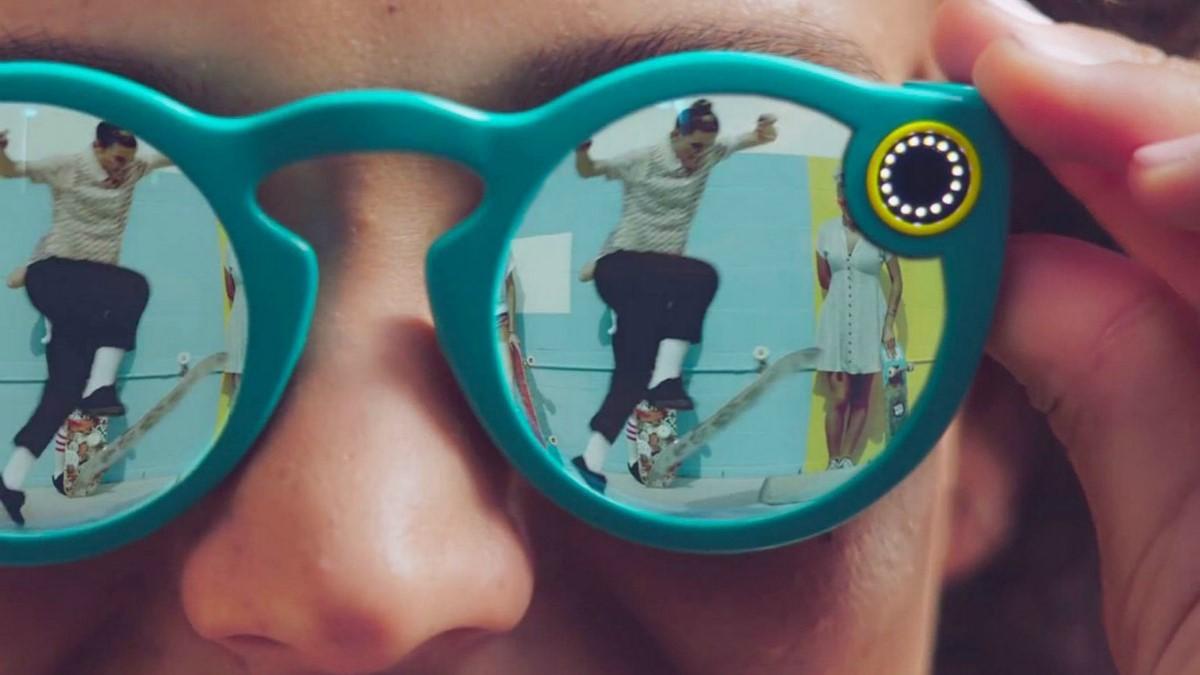 Snapchat представила вторую версию очков Spectacles
