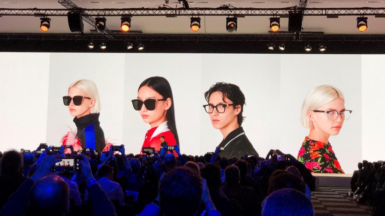 Умные очки Huawei позволят слушать музыку без наушников