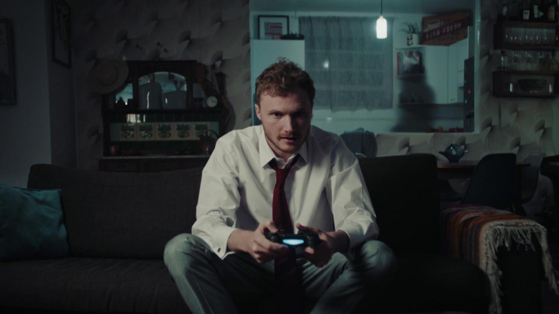 Rozetked Weekly: дата выхода PS5, необычный смартфон Essential и хамоватый робот-полицейский2