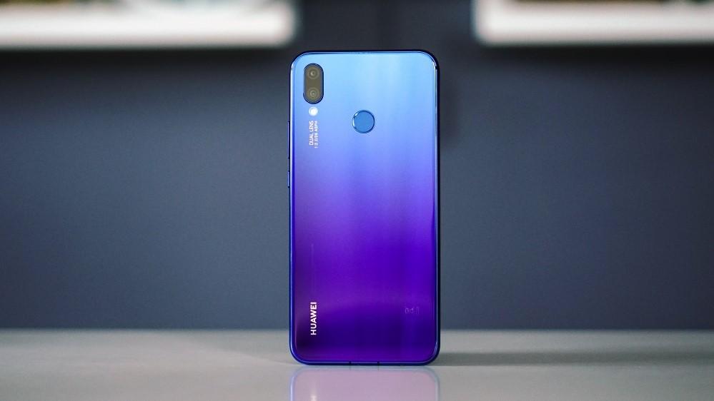 Huawei выдала снятые профессиональной камерой фото за снимки с Nova 3i