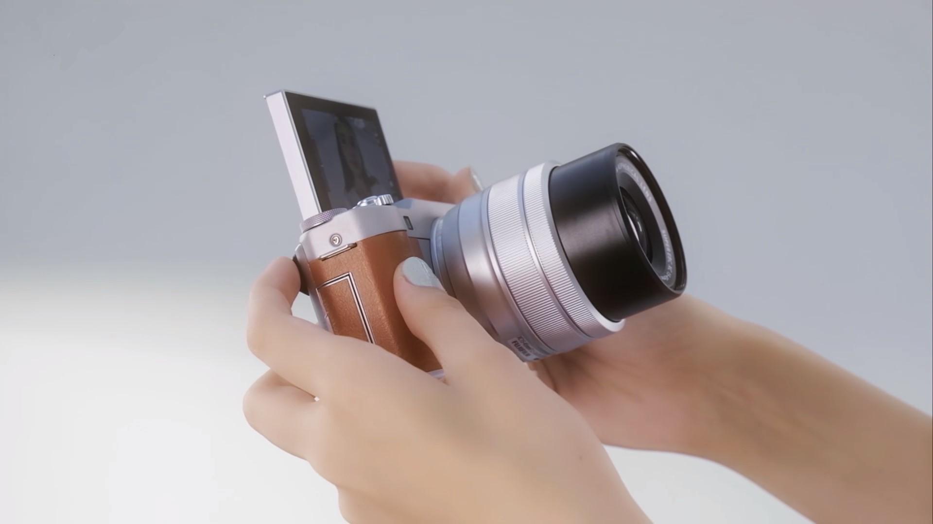 Fujifilm анонсировала беззеркальную компактную камеру X-A5