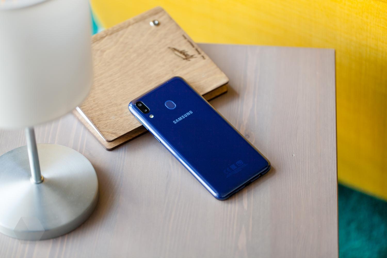 Обзор Samsung Galaxy M20: сам себе конкурент2