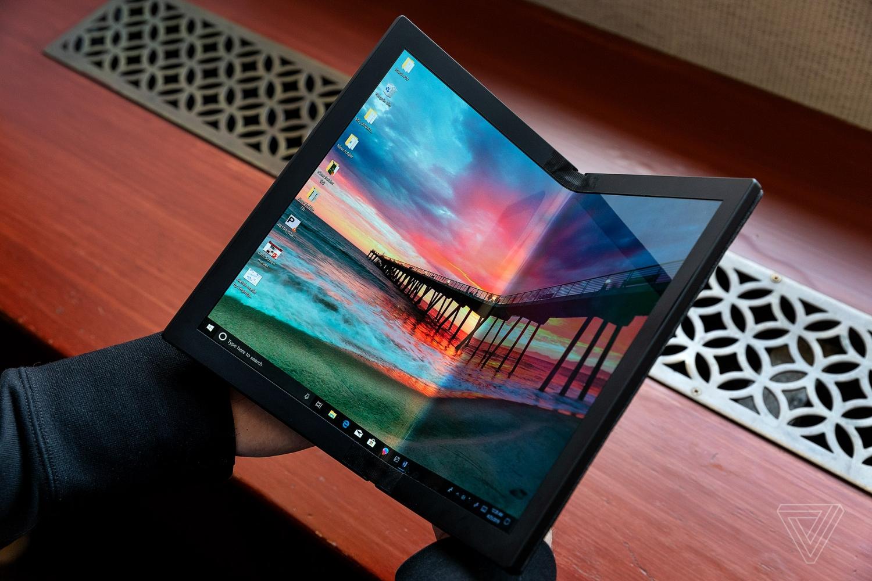 Lenovo показала первый в мире протитип ноутбука со складным экраном3