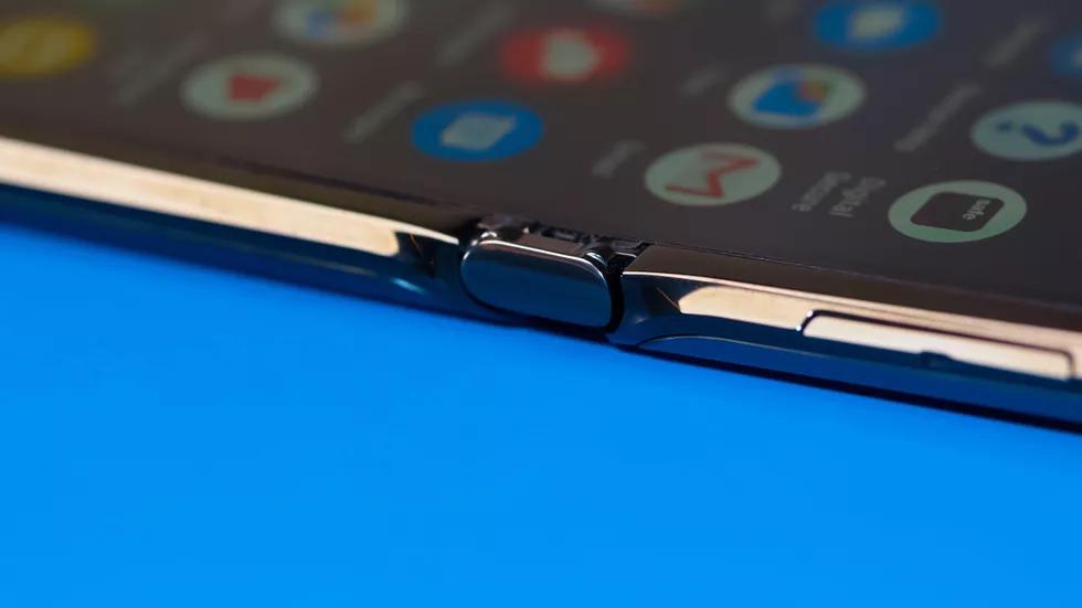 Motorola Razr: та самая «раскладушка», но с гибким экраном5