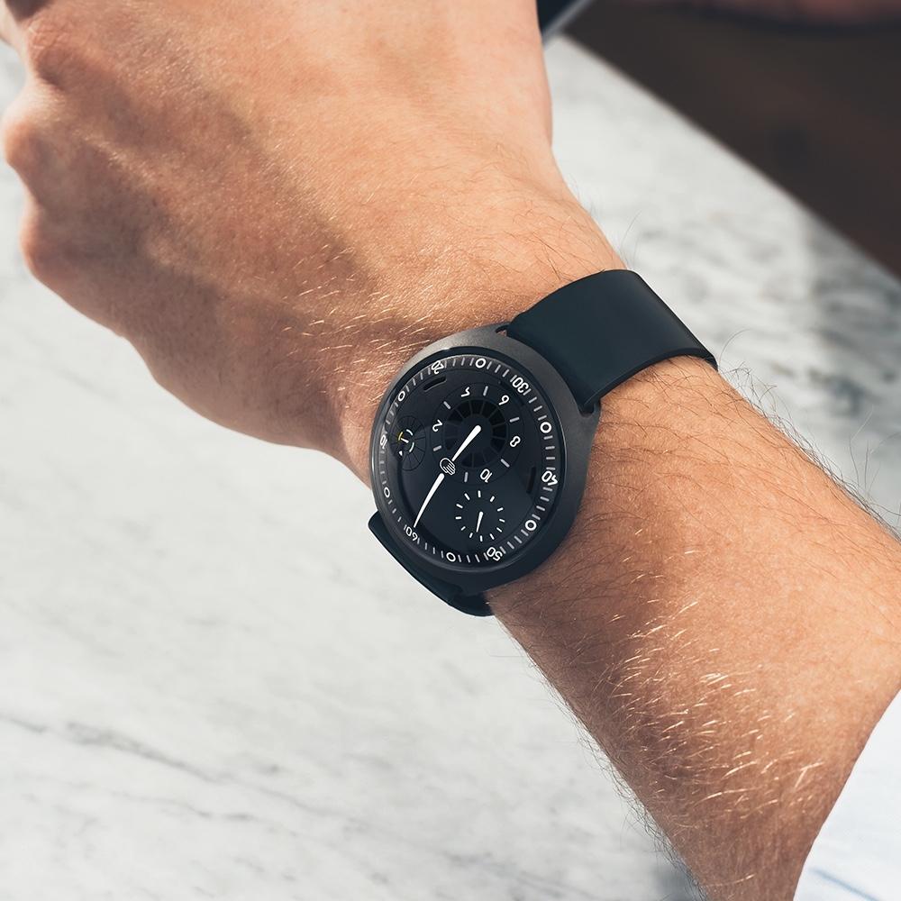 Часы Ressence Type 2 с солнечной батареей оценены в 48 тысяч долларов2