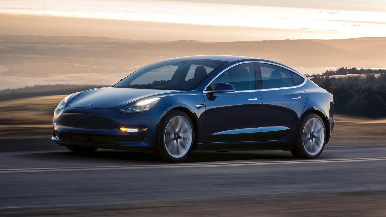 Tesla Model 3 получит полноприводную версию