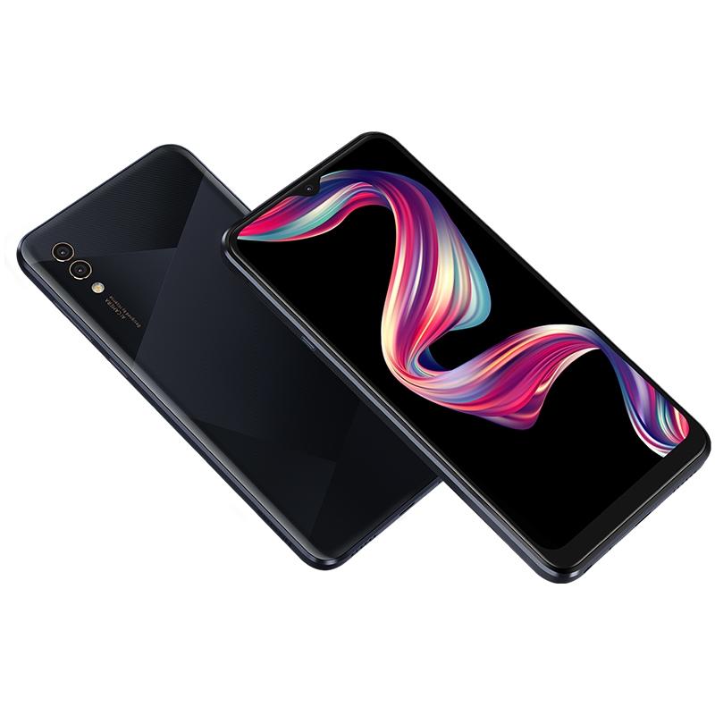 Hisense начинает продажу смартфонов в России13