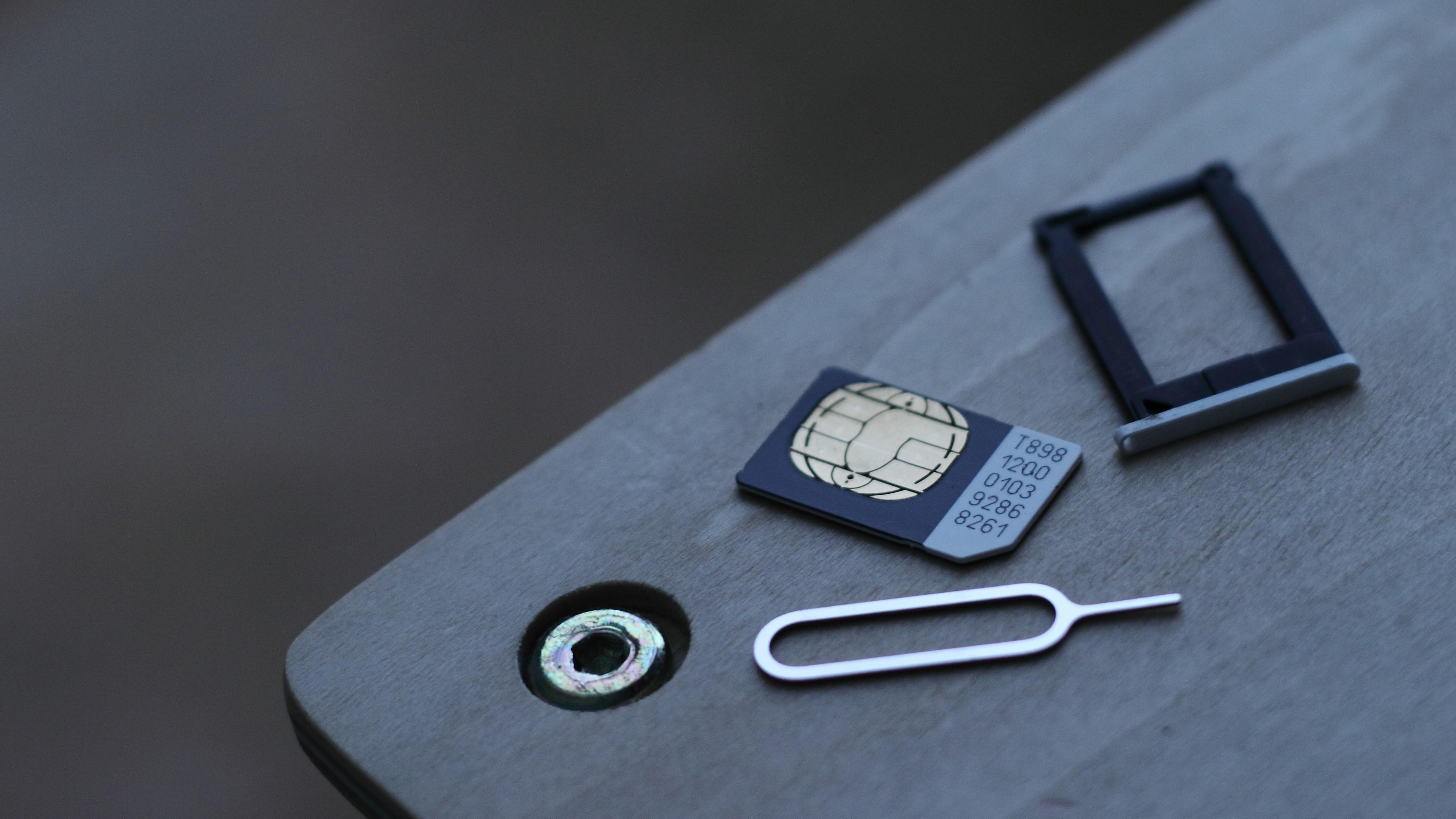 Apple выпустит iPhone с поддержкой двух симкарт