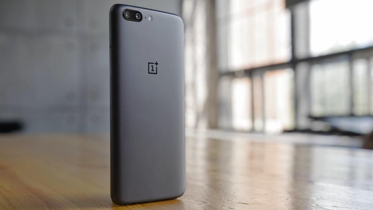 Покупатели интернет-магазина OnePlus жалуются на кражу платёжных данных
