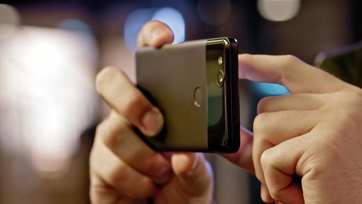 Чип для обработки снимков в смартфонах Pixel 2 станет доступен для сторонних приложений