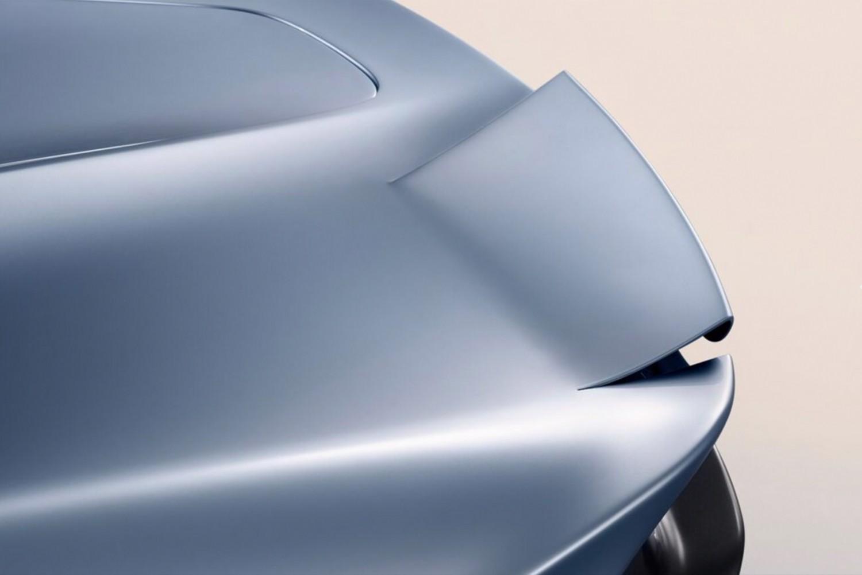 Гибридный гиперкар McLaren Speedtail разгоняется до 403 км/ч6