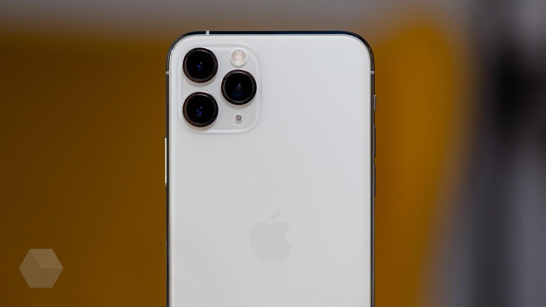 Сравнение ночных снимков iPhone 11 Pro с флагманами конкурентов
