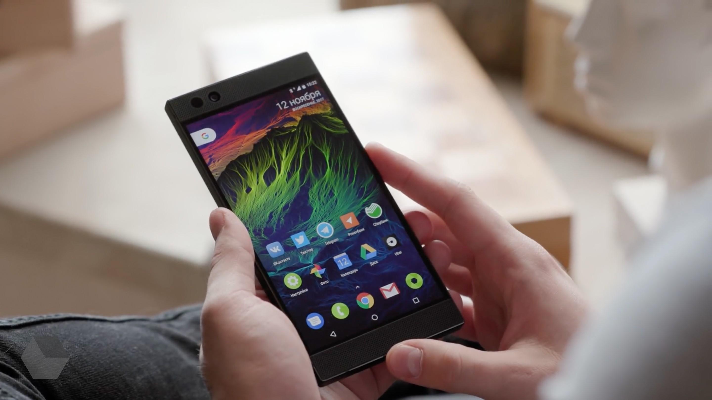 Какие инновации в дизайне получит Razer Phone 2?
