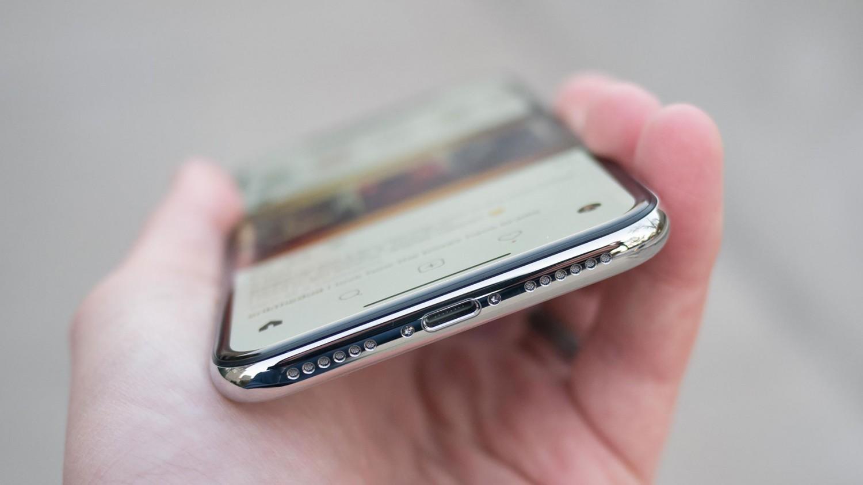Минг-Чи Куо: Apple откажется от разъёмов в iPhone к 2021 году