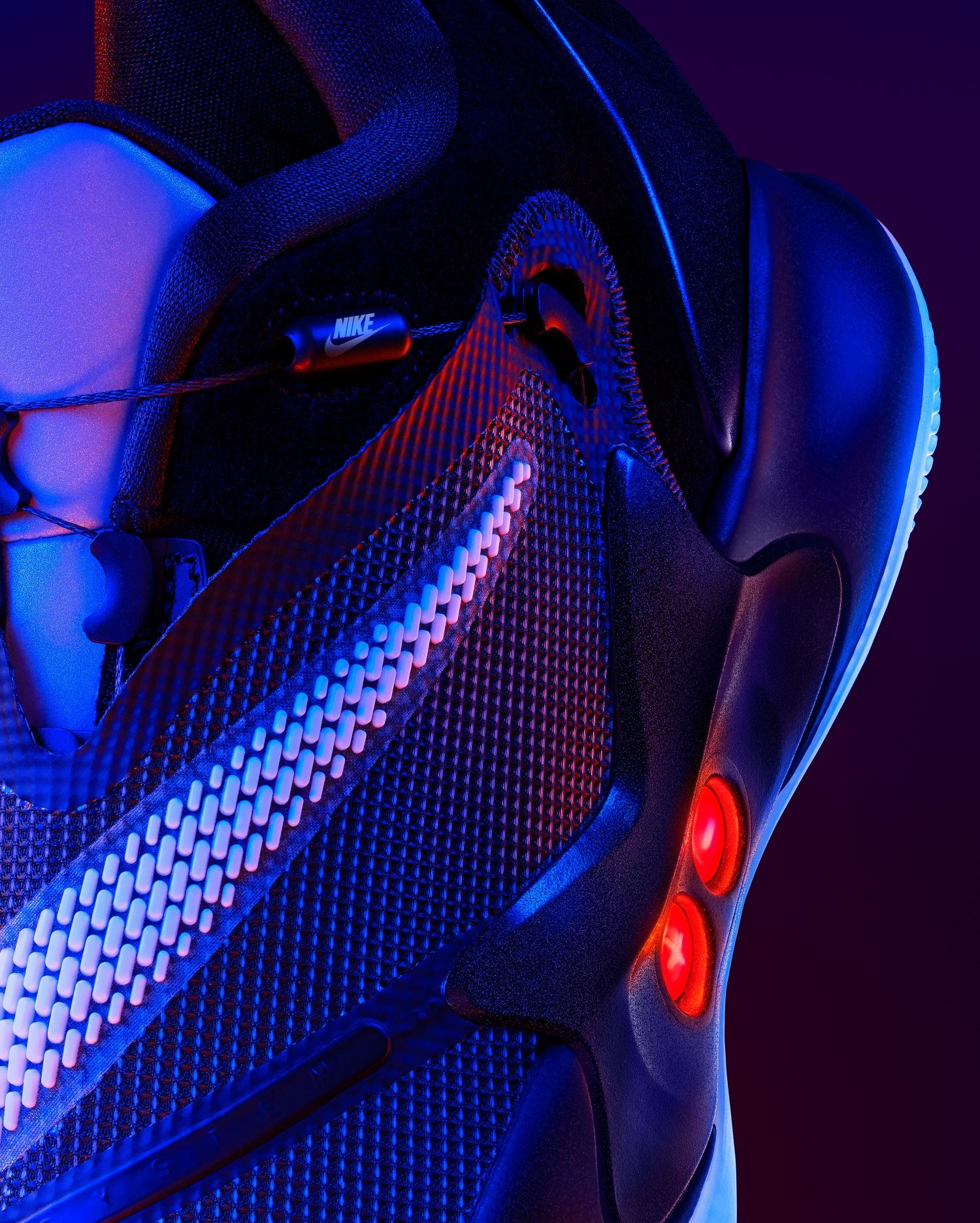 Nike представила второе поколение умных кроссовок Adapt BB7