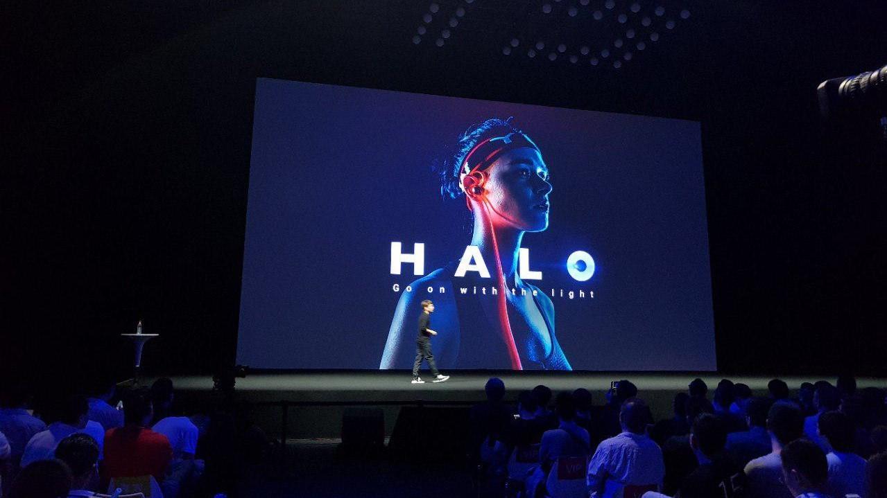Meizu представила наушники Halo со светящимся проводом