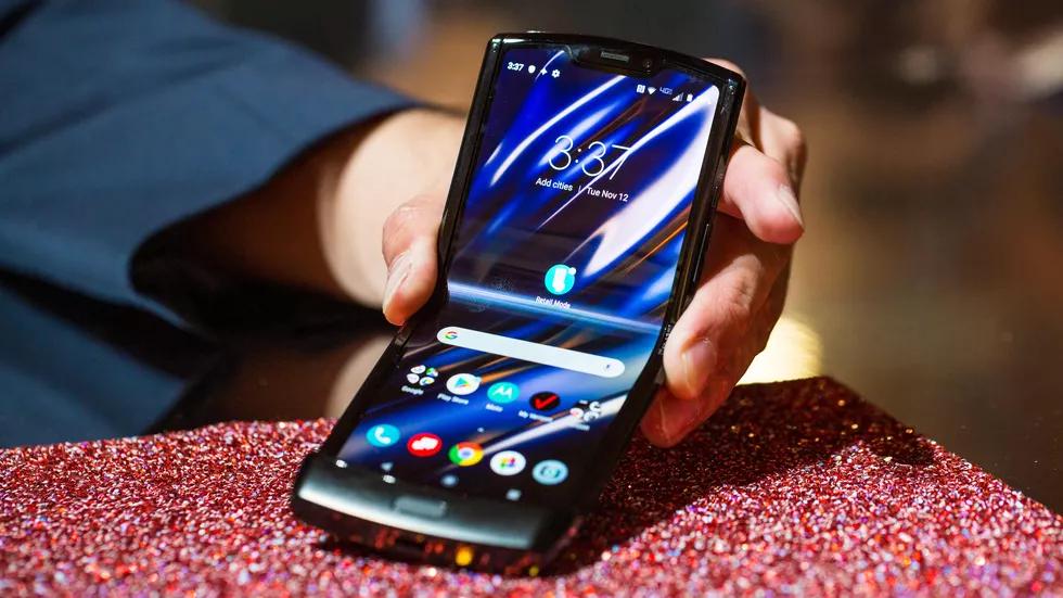 Motorola Razr: та самая «раскладушка», но с гибким экраном6