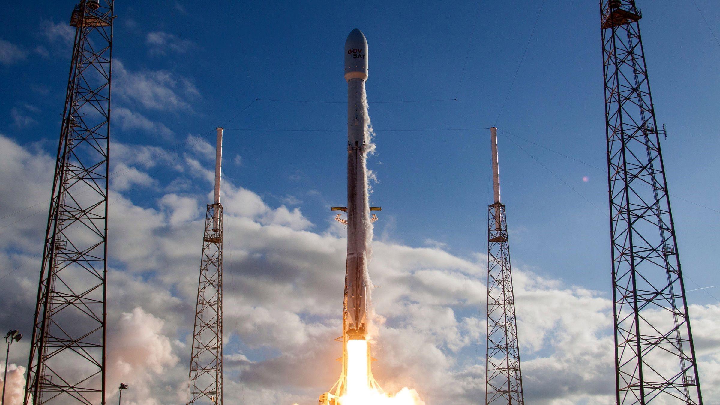 SpaceX успешно посадила новый разгонный блок Block 5