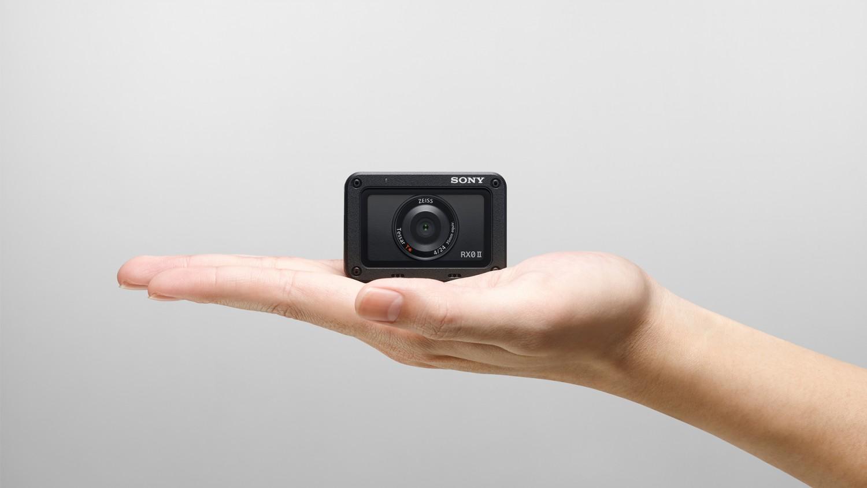 Sony представила компактную экшн-камеру RX0 II в России