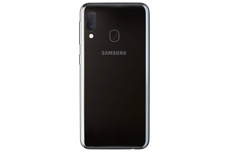 Samsung Galaxy A20e: компактнее и проще2