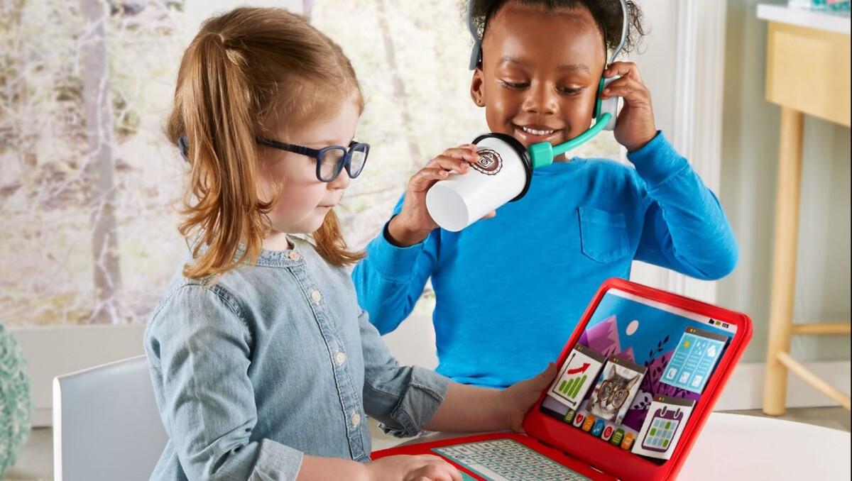 Fisher-Price выпустила игрушки для детей на тему пандемии и удалёнки